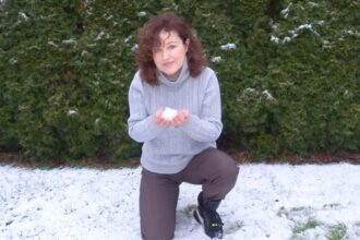 Stay young with cold and deep breathing. Here you find tips for daily retuals.